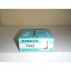7042.LB.BOX